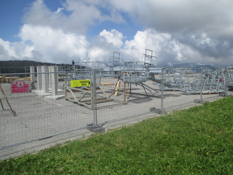 Construction du télésiège débrayable 6 places (TSD6) de Bisanne - Page 3 Img_2018