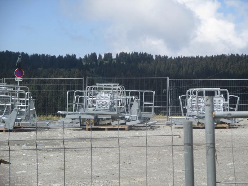 Construction du télésiège débrayable 6 places (TSD6) de Bisanne - Page 3 Img_2019