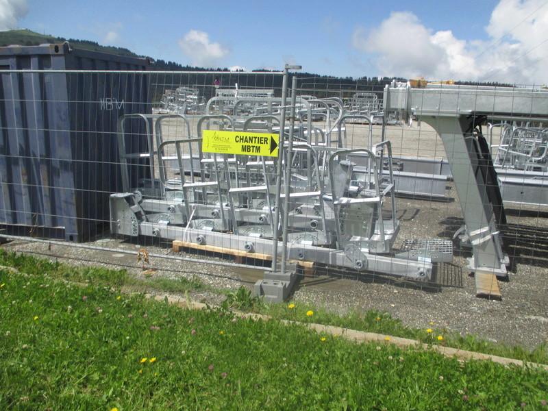Construction du télésiège débrayable 6 places (TSD6) de Bisanne - Page 3 Img_2021
