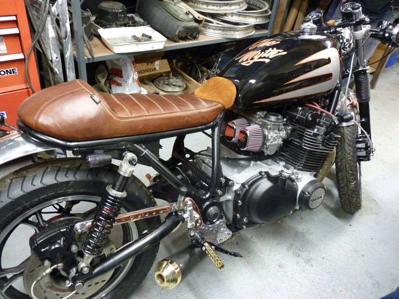 Aza project : GS 1100 G Brat Style - Page 3 P1130021