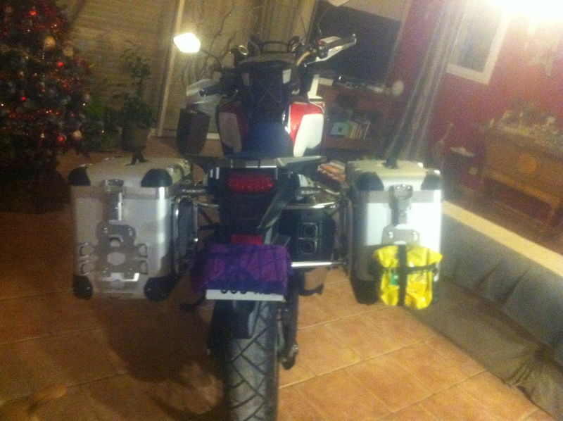 Valises Touratech sur CRF 1000 Africa Twin Img_0229