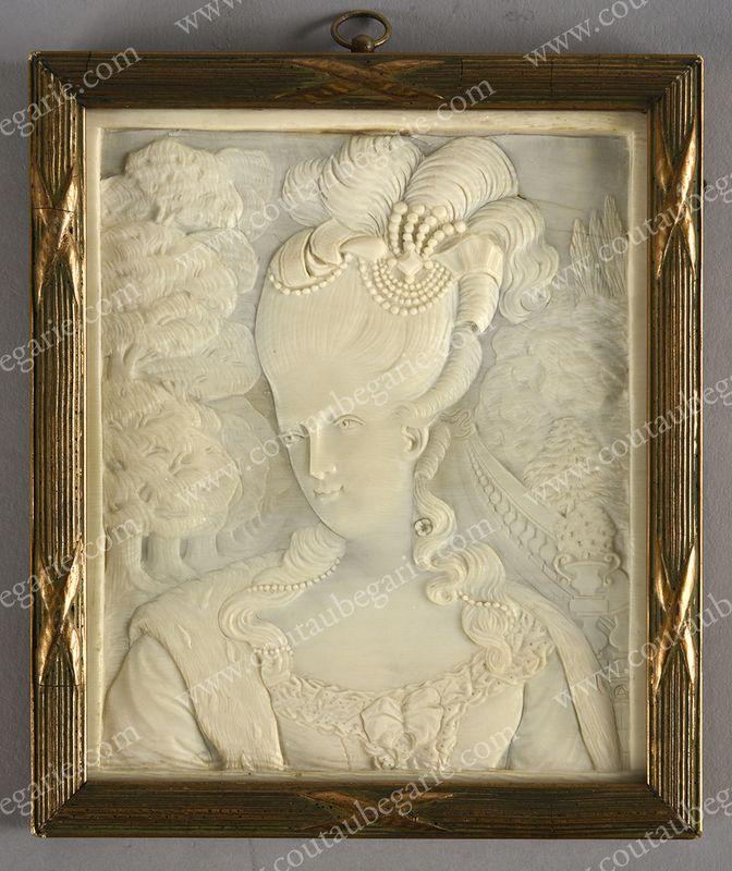 Vente de Souvenirs Historiques - aux enchères plusieurs reliques de la Reine Marie-Antoinette - Page 4 14863814