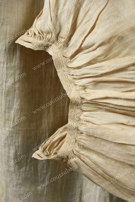 Vente de Souvenirs Historiques - aux enchères plusieurs reliques de la Reine Marie-Antoinette - Page 4 14863834