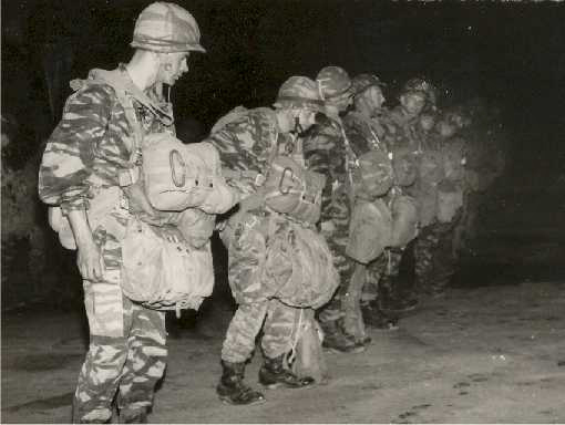 1 er Régiment Etranger de Parachutistes Avant_11