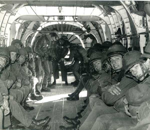 1 er Régiment Etranger de Parachutistes - Page 2 Intyri11