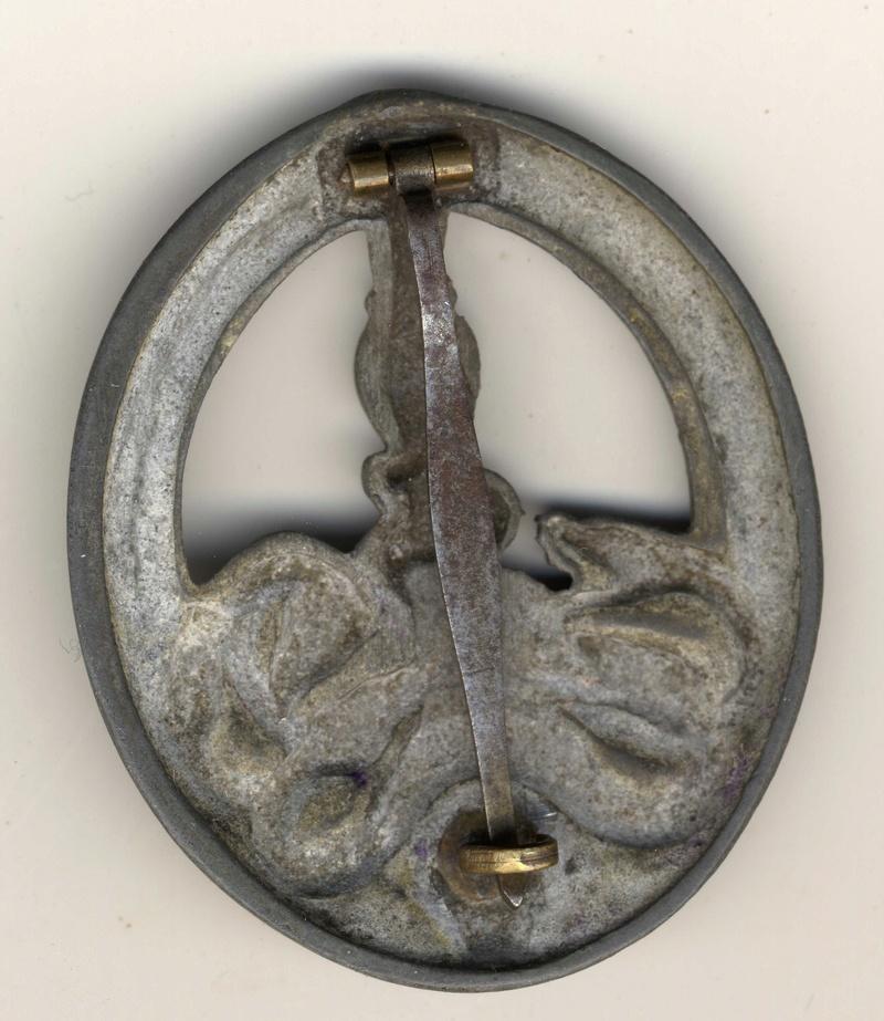 insigne anti partisans classe argent C.E. Junker Badge_10