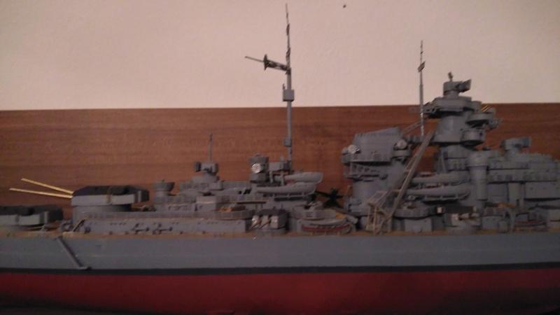 Bismarck mit Metallrohren und Metallreling, Revell 1/350  Img_2012