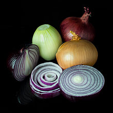 Onions: The health benefits of onions and why you should include more of it in your daily diet 220px-10