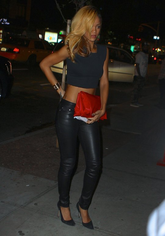 cool ways  to look  hot in leather Rihann24