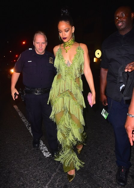 have you got what it takes to pull off this green number? Vmas-a10