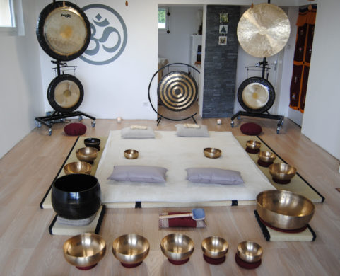 Bain sonore à St-Genès-Champanelleavec Nada Brahma Nadabr10