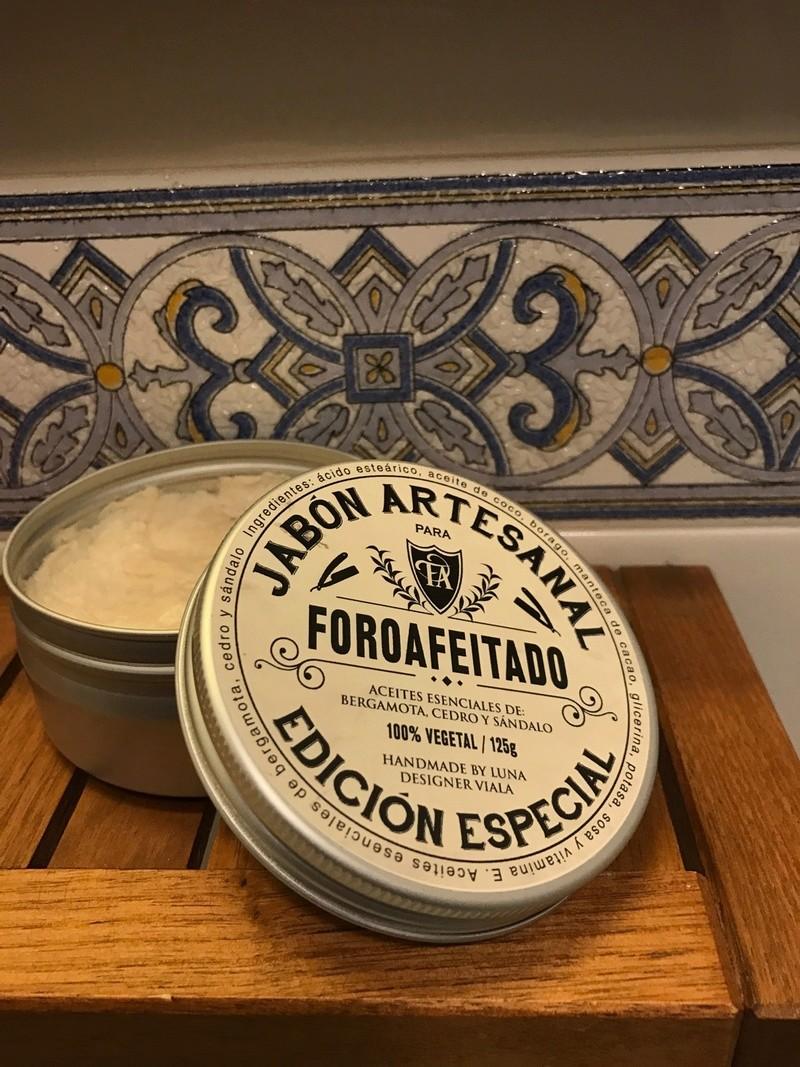 """Gros plan sur le savon """"EL Foroafeitado 2016"""" by Luna Jabonl10"""