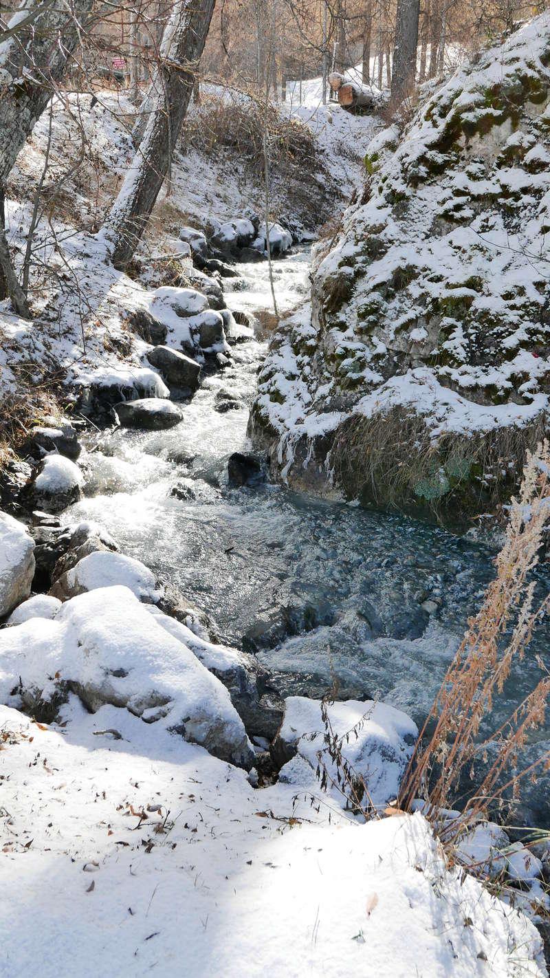 Tempête de ciel bleu et d'hiver.. P1090115