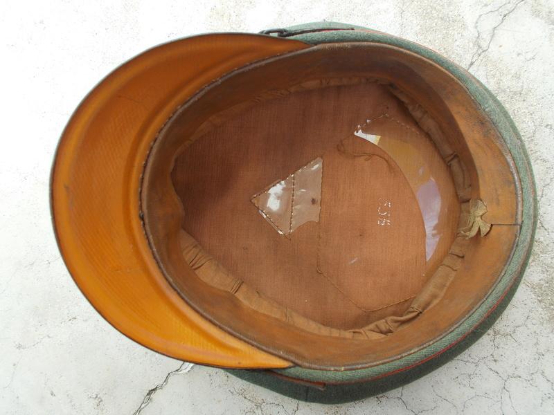 2 casquettes sous off de 1936 Dscn2314