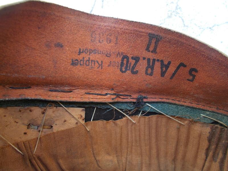 2 casquettes sous off de 1936 Dscn2315