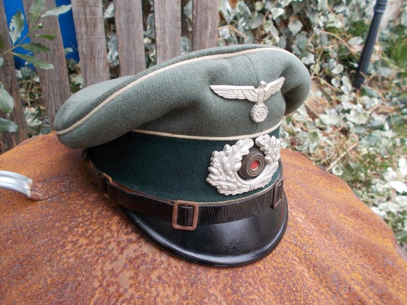 2 casquettes sous off de 1936 Dscn4724