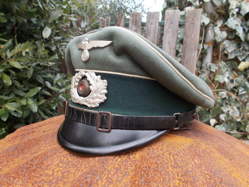 2 casquettes sous off de 1936 Dscn4726