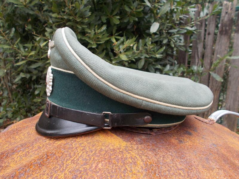 2 casquettes sous off de 1936 Dscn4727