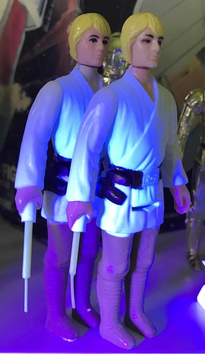 Do ALL original saber glow under UV? Fullsi49
