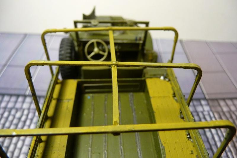 AFV CLUB 1/35  réf  AFV 35S15 U.S. 3/4 TON WEAPONS CARRIER WC 52 ( 8éme Cuir) P1070012