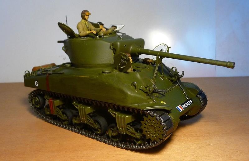 Italeri 1/35  - SHERMAN  M4A1 canon 76mm    P1070113
