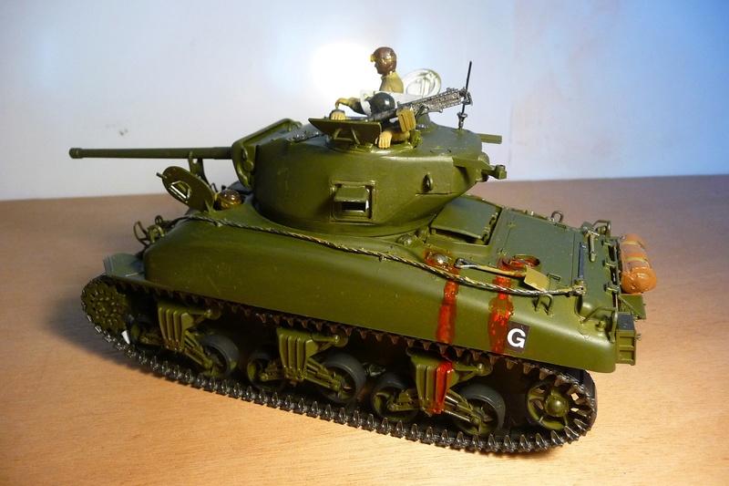 Italeri 1/35  - SHERMAN  M4A1 canon 76mm    P1070114