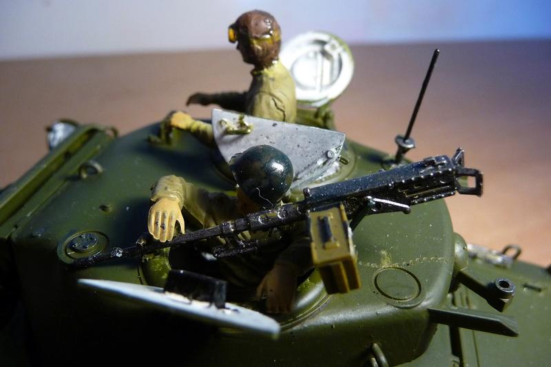 Italeri 1/35  - SHERMAN  M4A1 canon 76mm    P1070115