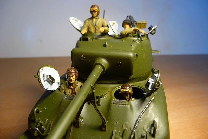 Italeri 1/35  - SHERMAN  M4A1 canon 76mm    P1070116