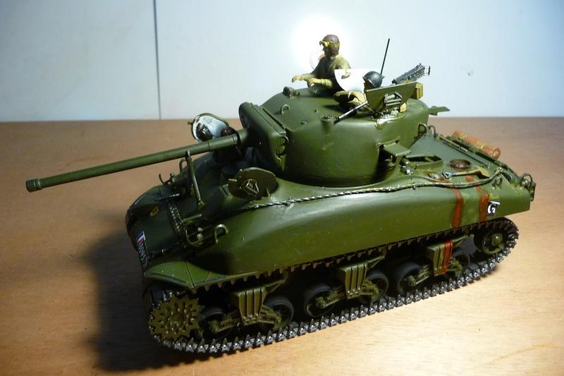 Italeri 1/35  - SHERMAN  M4A1 canon 76mm    P1070125