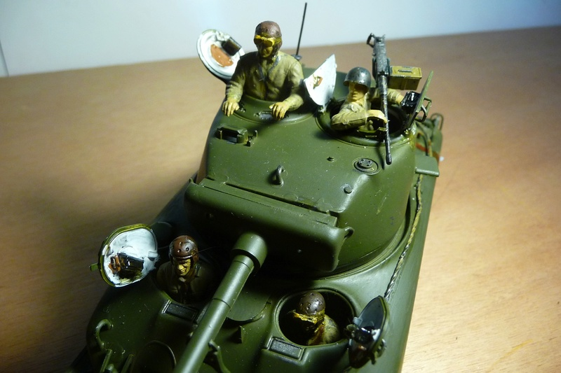 Italeri 1/35  - SHERMAN  M4A1 canon 76mm    P1070126