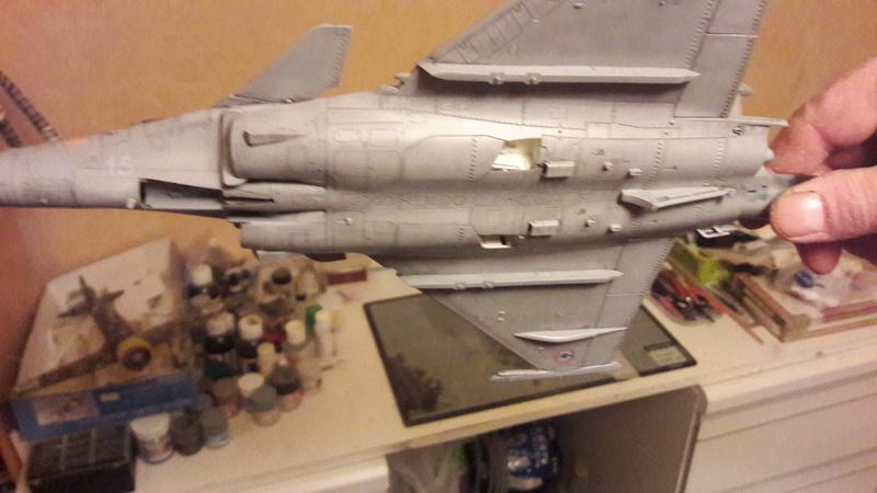 Dassault Rafale M bomb & rack 20161220
