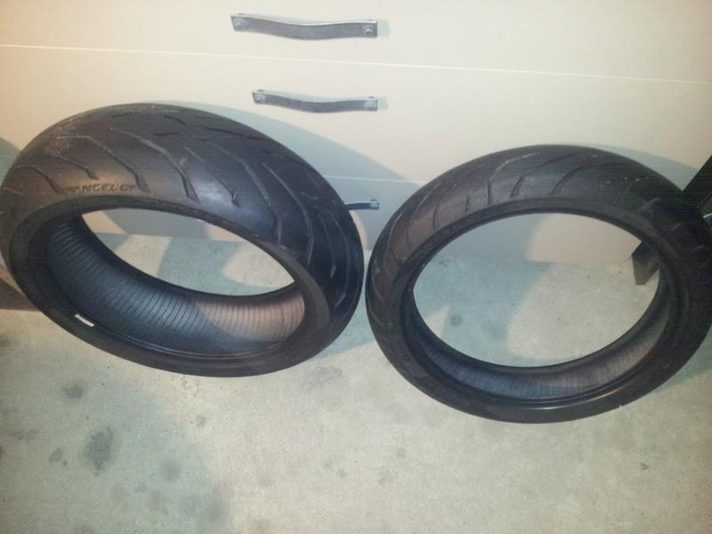 [VENDU]  train pneus Pirelli Angel gt  180/55/17 120/70/17 20161210