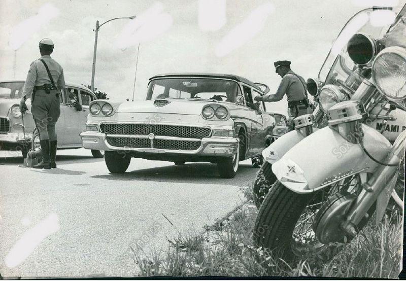 NOSTALGIA vieilles photos d'époque - Page 6 Captu508