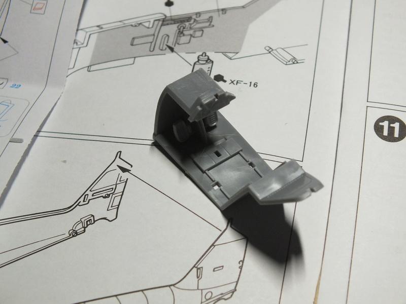 BF109E-3 Tamiya 1/48 ref:61050 avec verrière MSK et photo découpe Eduard Zoom. Dscf0535