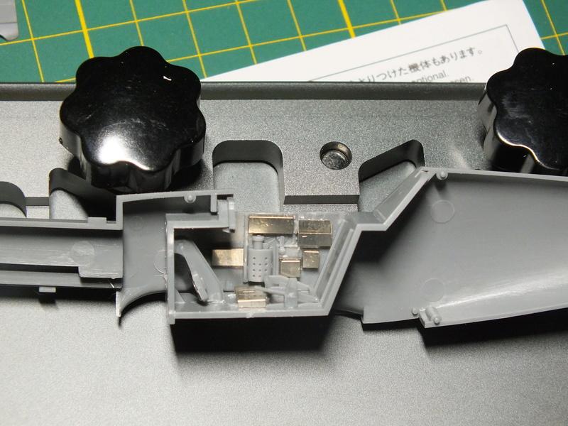 BF109E-3 Tamiya 1/48 ref:61050 avec verrière MSK et photo découpe Eduard Zoom. Dscf0537