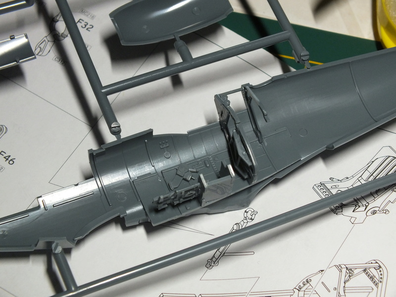 Spitfire Mk.IXc Late version Eduard 1/48. Dscf0546