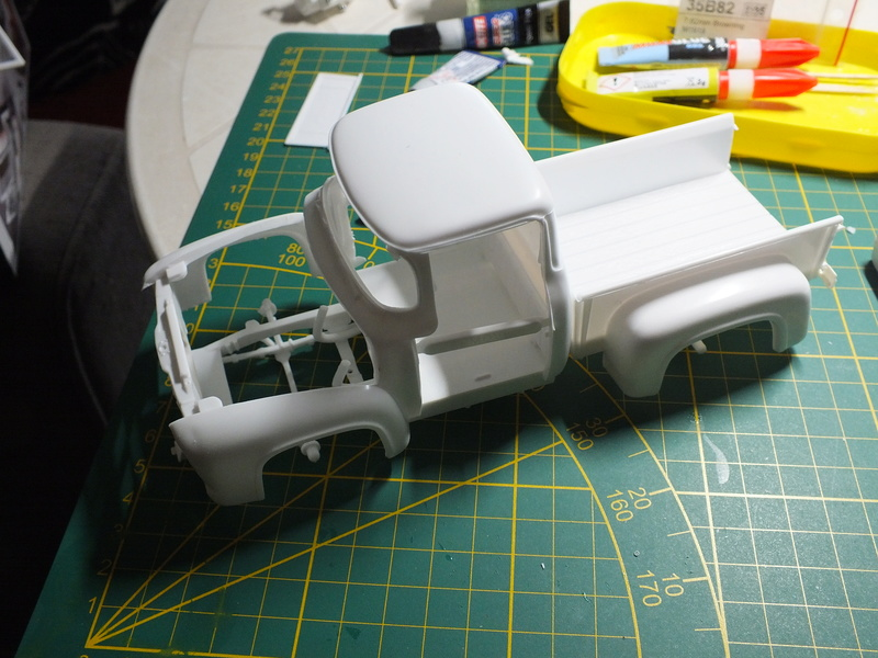 Ford'56 F-100 Pick up Revell 85-4914 1/25. Le montage Dscf0660