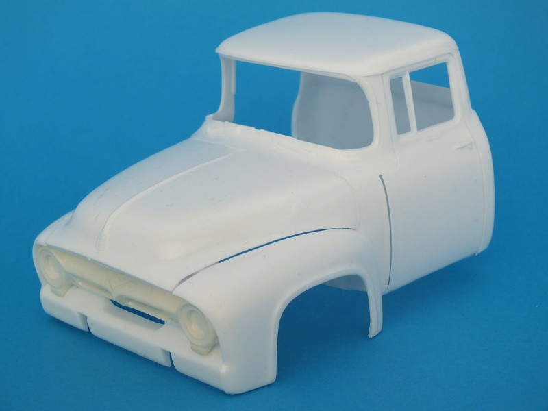 Ford'56 F-100 Pick up Revell 85-4914 1/25. Le montage Dscf0668