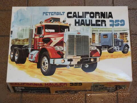 AMT866 Peterbilt California Hauler 359 1//25 Scale Plastic Model Kit