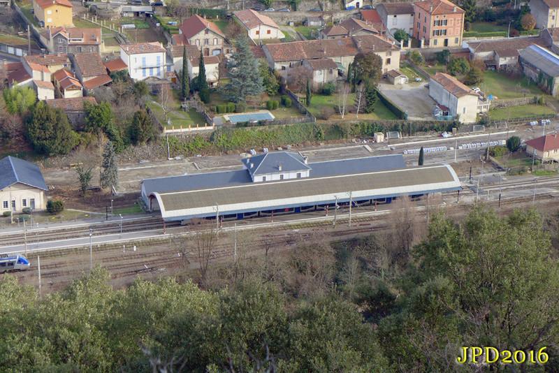 Pk 082,2 : Gare de Foix (09) - Page 11 P1040810