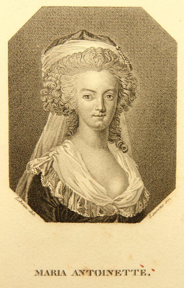 Marie-Antoinette en robe rouge sans ses enfants Zzzfon11