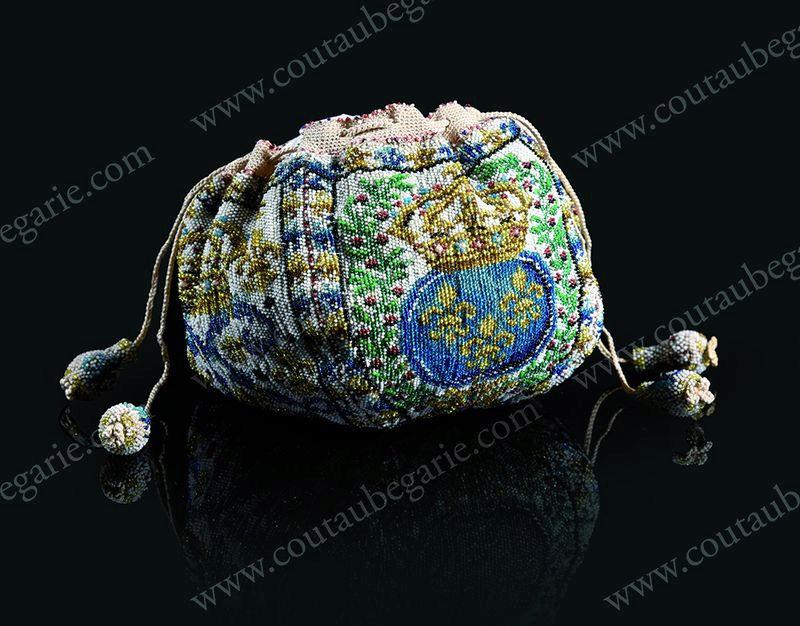 Vente de Souvenirs Historiques - aux enchères plusieurs reliques de la Reine Marie-Antoinette - Page 4 Zww10