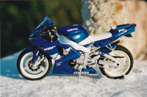 Maquettes des années 80' et 90' - Motos Yamaha11
