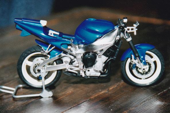 Maquettes des années 80' et 90' - Motos Yamaha13