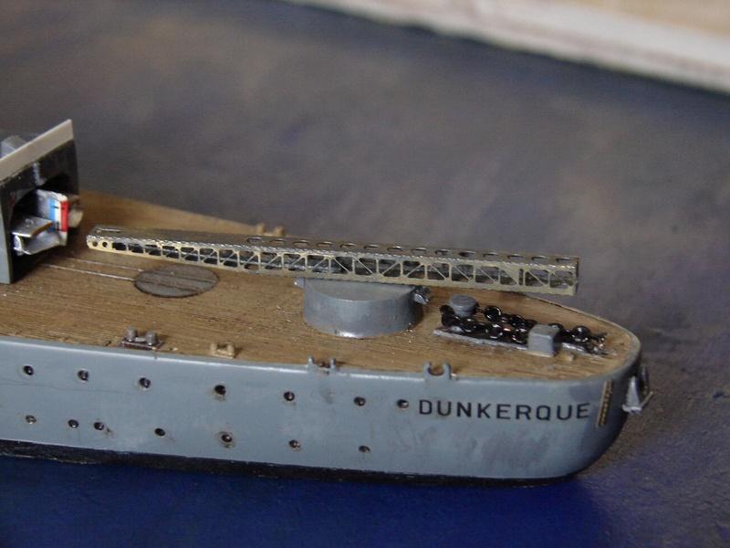 [1/400] diorama cuirassé Dunkerque à Mers El-Kébir 1940. - Page 4 Dsc00119