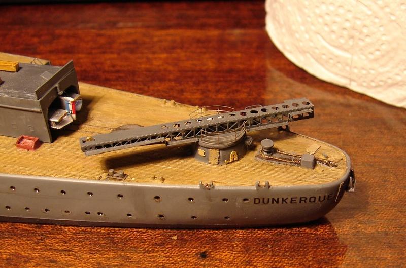 [1/400] diorama cuirassé Dunkerque à Mers El-Kébir 1940. - Page 4 Dsc00120