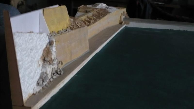 [1/400] diorama cuirassé Dunkerque à Mers El-Kébir 1940. - Page 3 P1230110