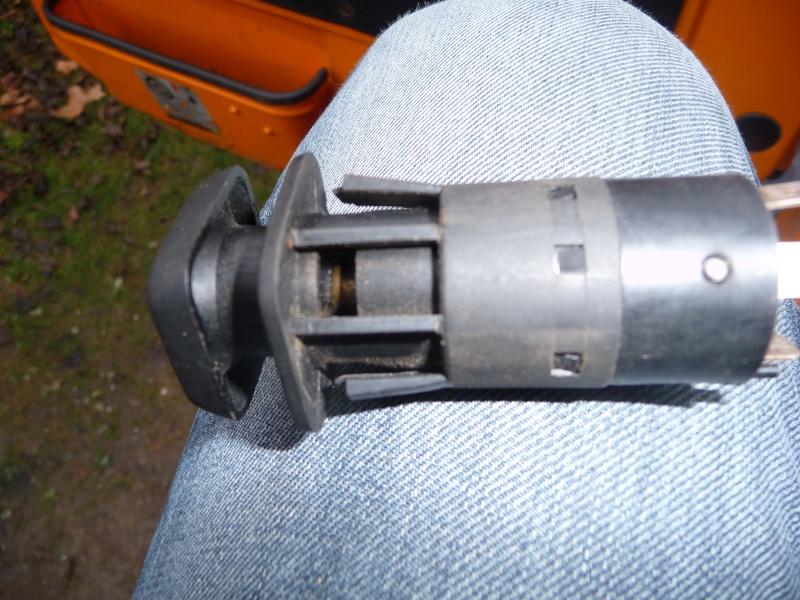 Circuit électrique lampe et connecteur 1300L  Image110
