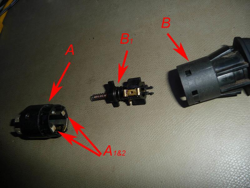 Circuit électrique lampe et connecteur 1300L  Image310