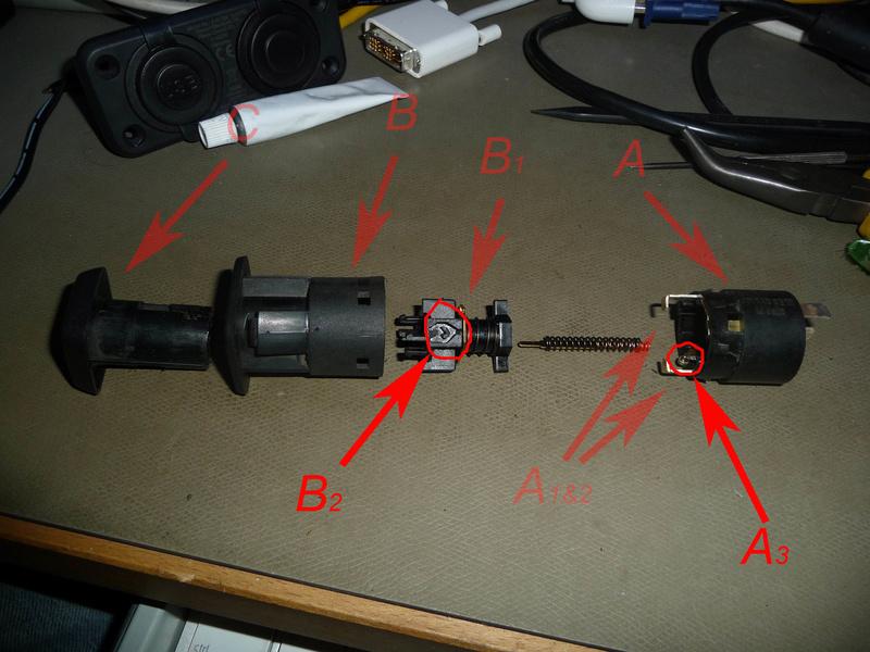 Circuit électrique lampe et connecteur 1300L  Image510